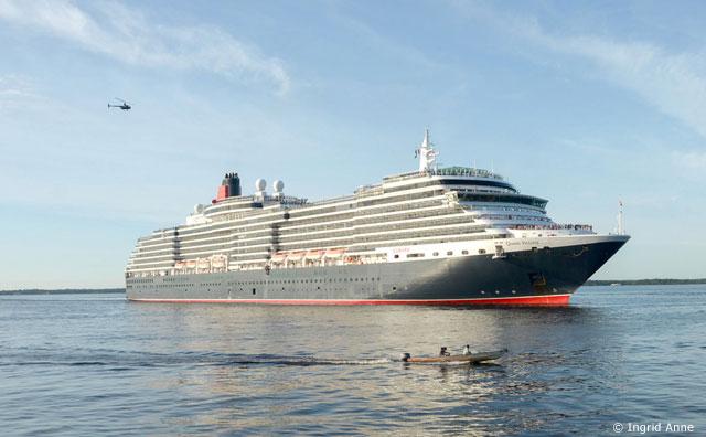 Maior cruzeiro já registrado em Manaus chega à cidade