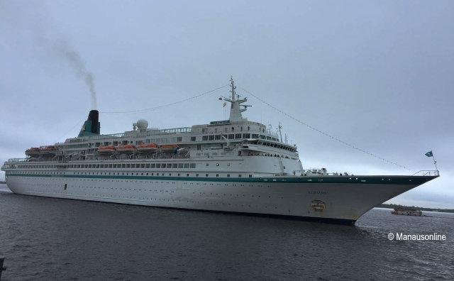 Mais de 800 estrangeiros chegam a Manaus no M/S Albatros