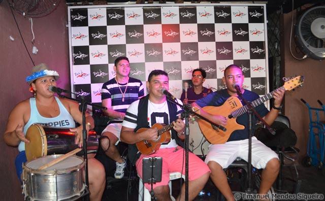D'lírios do Samba conquista a noite em Manaus
