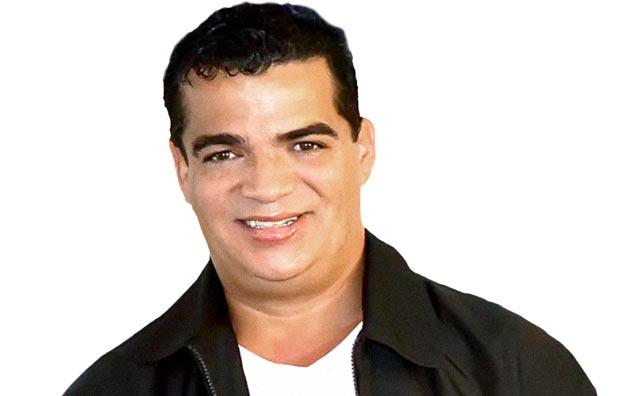 O irreverente humorista Hiran Delmar volta ao Teatro Manauara