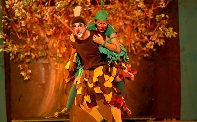 """""""A Poção do Amor"""" no palco do Teatro Manauara"""