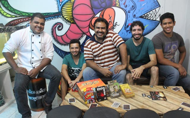 Hamburgueria realiza campeonato de Street Game com RPG e tabuleiro