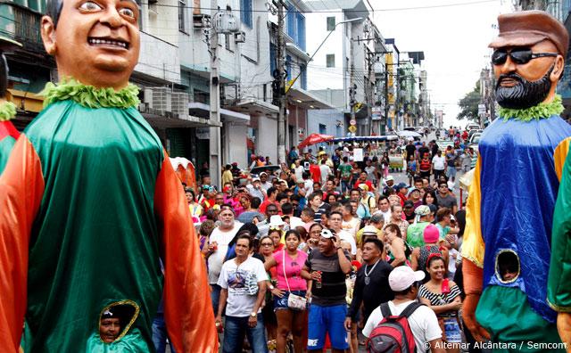 Marchinhas e samba enredo dão o tom à Banda do Jangadeiro