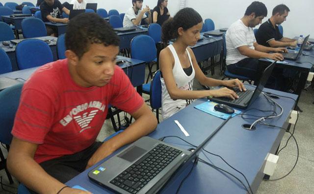 Mercado tecnológico aquece oportunidades para engenheiros de software