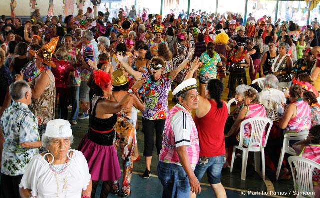 Tradicional festa de Carnaval da terceira idade