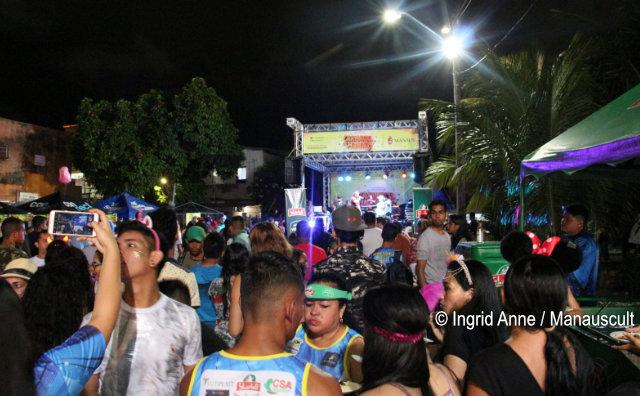 Bandas de rua continuam a folia no fim de semana pós-Carnaval