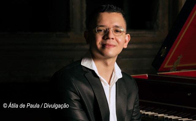 Teatro Amazonas recebe recital de cravo Melancolia, com Átila de Paula, neste domingo