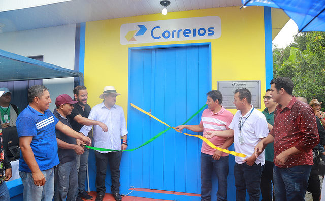 Prefeitura de Boa Vista do Ramos realiza verdadeira revolução em comunidade na zona rural