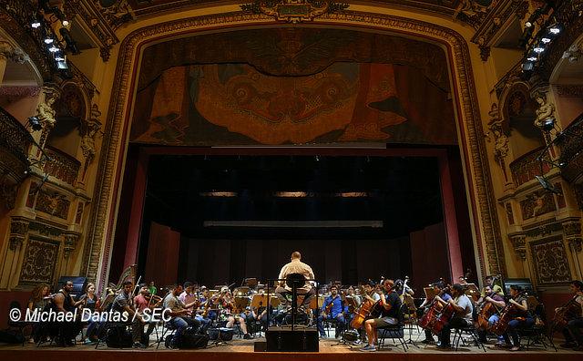 Série de Concertos celebra sinfonias de Claudio Santoro no Teatro Amazonas