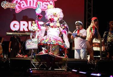 Concurso de fantasias do Manaus Fantasy movimenta foliões.