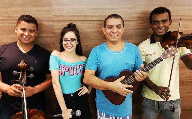 Renatinho e Marcella Bártholo preparam repertório para o pré-show