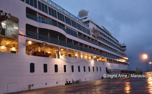 Navio Seabourn Quest traz 700 turistas a Manaus