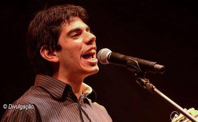 Teatro Amazonas recebe show Dudu canta Brasil, neste sábado