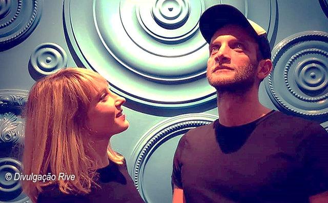 Dupla belga Rive faz show electro-pop gratuito no Café Teatro