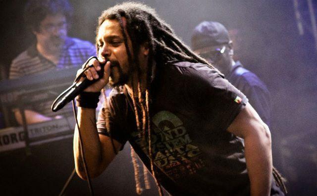 Marcelo Falcão faz show solo em Manaus