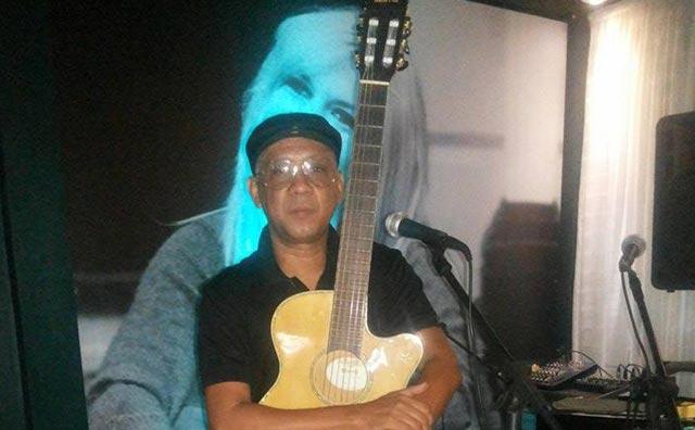 Cleber Cruz passeia pela música brasileira no Sr. Garrafas nesta sexta