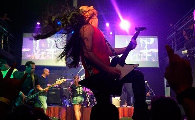 Duas gerações do rock manauara no palco do Porão