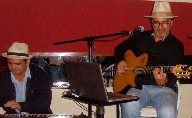 De Bem com a Boa Música por Kokó Rodrigues no Sr. Garrafas