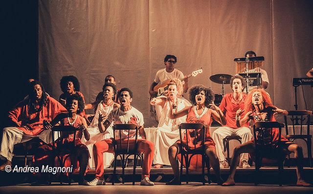 Bando de Teatro Olodum no Teatro da Instalação