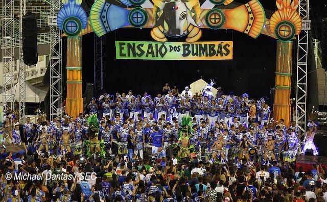 Festa no Sambódromo abre temporada dos Bumbás