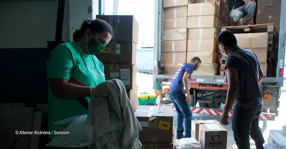 Grupo Riachuelo doa 25 mil peças de roupas à Prefeitura de Manaus