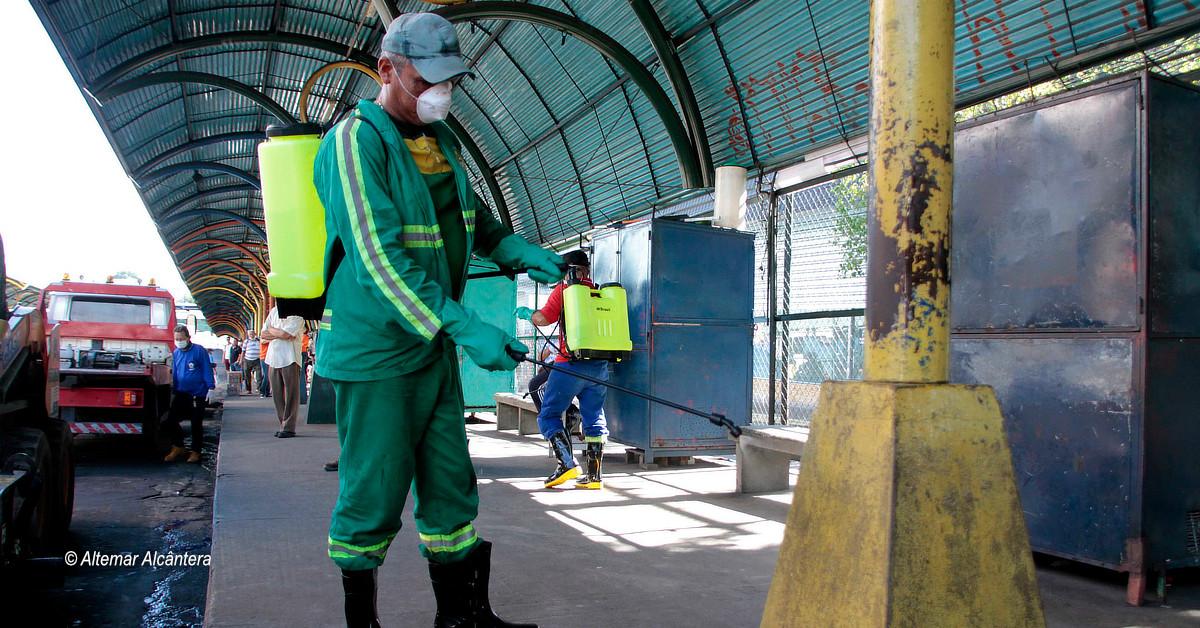Prefeitura de Manaus inicia higienização de locais com grande circulação de pessoas