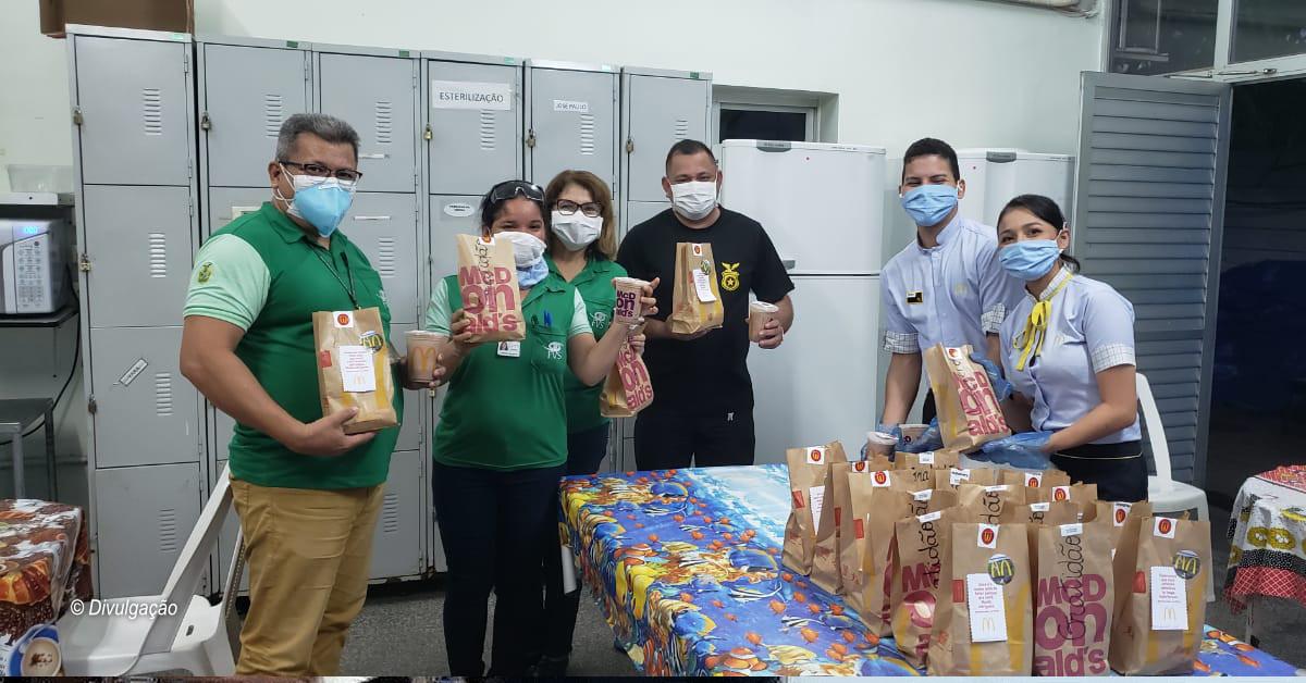 McDonald's doa refeições para profissionais de saúde em 22 cidades brasileiras