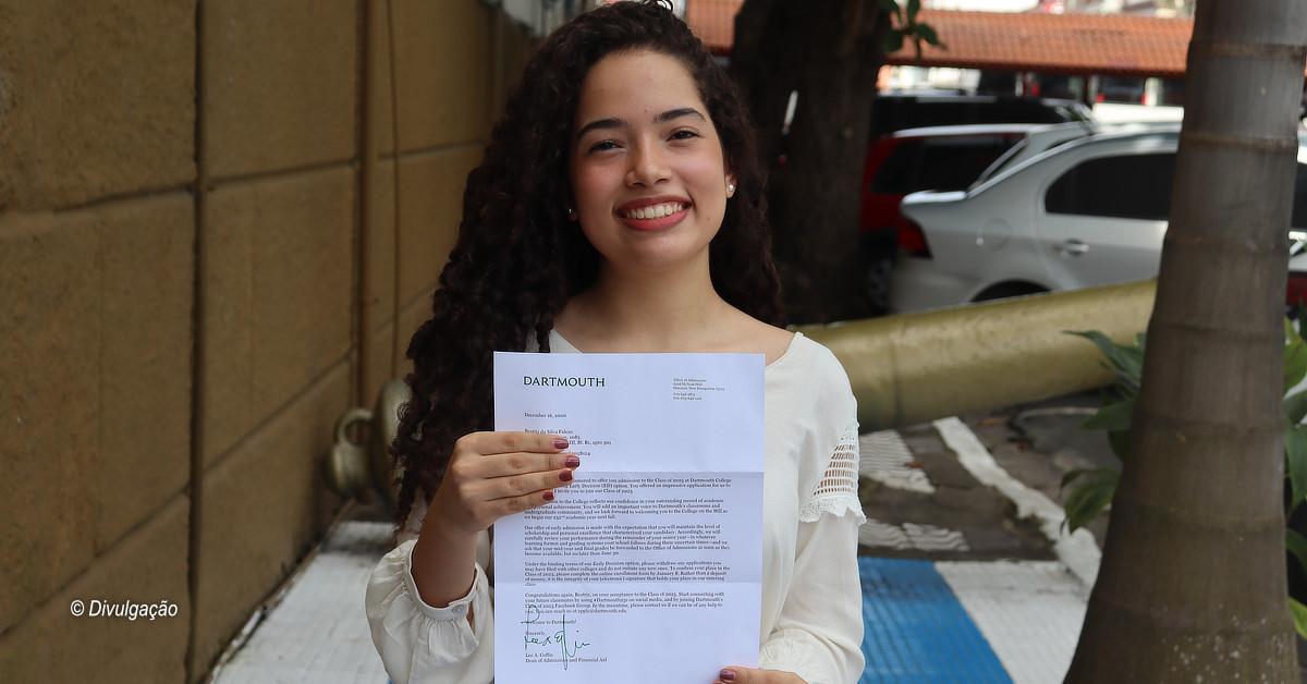 Estudante manauara é aprovada em Dartmouth College e cria campanha