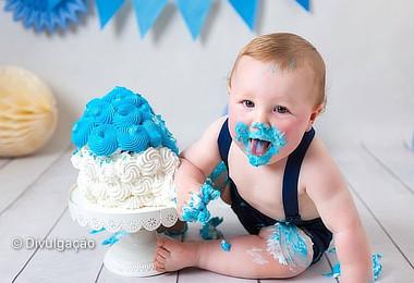 Smash the Cake: A Bagunça Mais Gostosa Para Seu Bebê!
