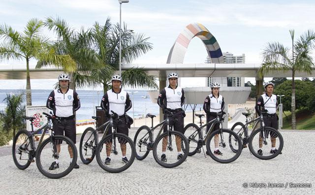 Ciclopatrulha começa a fazer rondas na praia da Ponta Negra