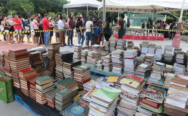 Quarta Feira do Livro doou mais de 8 mil exemplares, no sábado