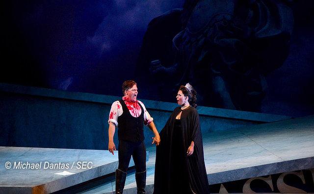 Tosca se despede do 22º FAO, com teatro lotado
