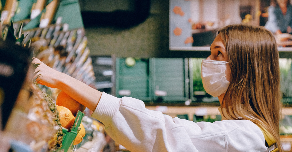 Decretado o uso obrigatório de máscaras em comércios essenciais e meios de transporte