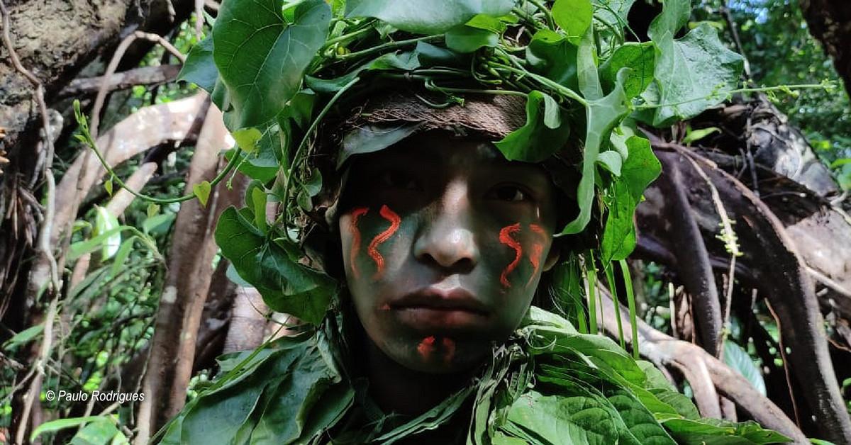 Com temas que retratam a identidade dos povos indígenas e a luta contra a discriminação