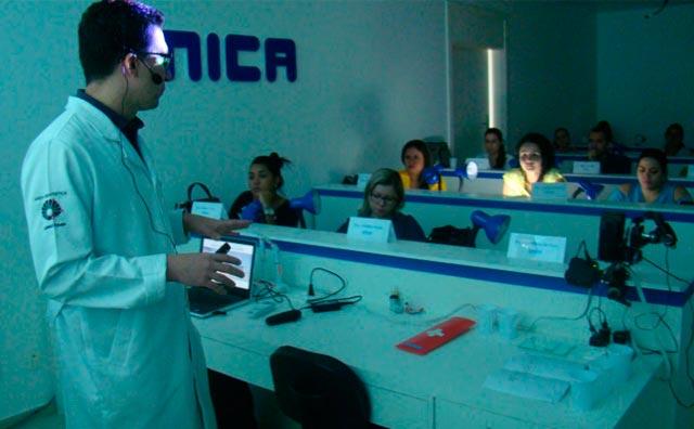 Escola de cursos voltados para dentistas trás nomes de destaque