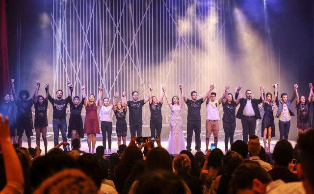 Dream - o musical surpreende o público, em estreia no Teatro Amazonas
