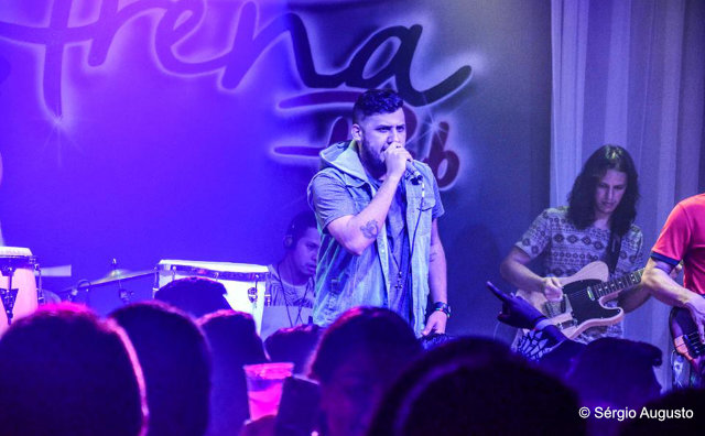 Nova geração do sertanejo marca presença no Moose Lounge