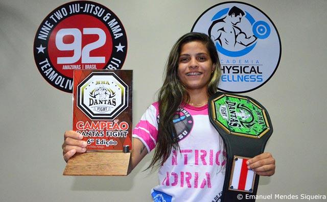 Amazonense Patrícia Adria Rodrigues estreia no MMA com nocaute.
