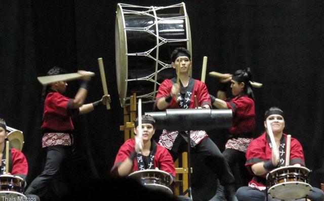 Concerto com instrumentos musicais japoneses celebra jogo olímpico