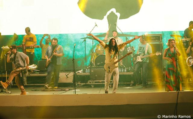 Forró, rock e sertanejo movimentam Ponta Negra neste domingo