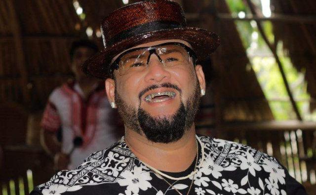 James Rios apresenta Ensaio Ao Vivo no Ôxe Bar neste domingo