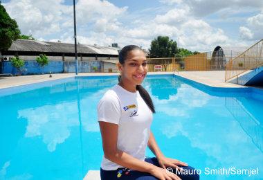 Nadadora representa Amazonas em competição na Bolívia