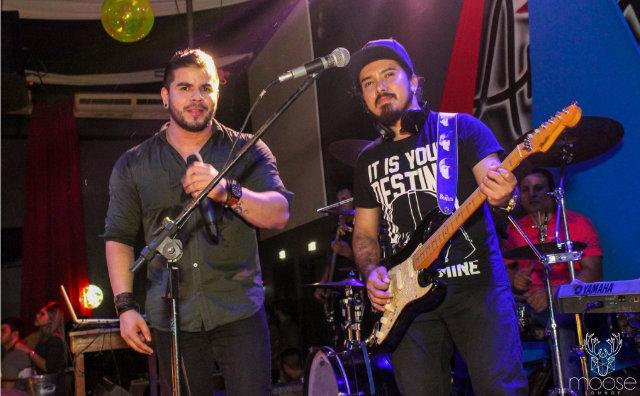 Cantor Daniel Trindade e dupla Marcos & Marinho lançam clipe