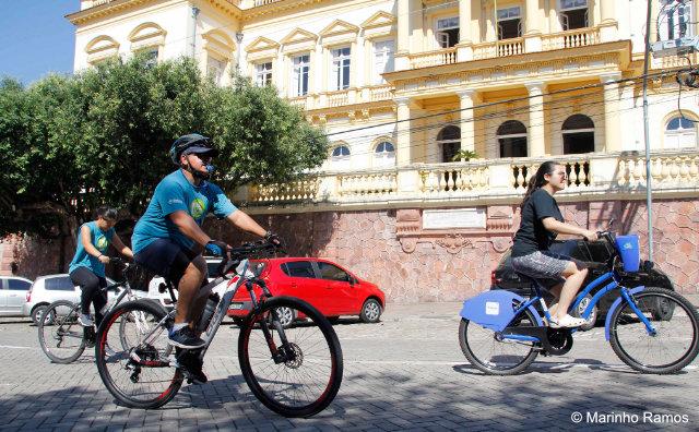 Passeio reúne grupos de pedal no Centro Histórico