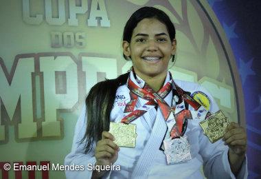 Larissa Nicácio conquista três medalhas na Copa dos Campeões