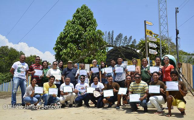 Prefeitura certifica moradores da RDS do Tupé para elevar potencial turístico da região