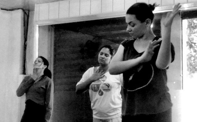 Les Artistes Café Teatro recebe espetáculo da Contem Dança Cia