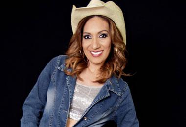Cantora J�ci Carvalho leva show do novo CD ao Laguna`s Bar