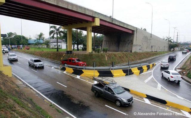 Nova alça do Complexo Viário de Flores desafogando o trânsito na área