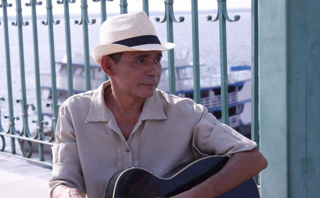 Serginho Queiroz celebra 25 anos de carreira em show